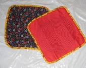 Quilted Chartres Finger Labyrinth, Plain Red Front, Floral Black Back