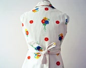 Vintage 70s White Floral Mini Dolly Dress Primary Color Floral Posies Australian Vintage Fashion