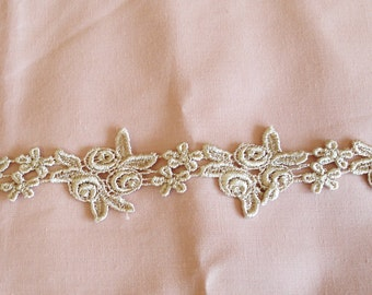 Venice Lace Embroidery Trim 1 1/2 Inches Wide In Beige Color.