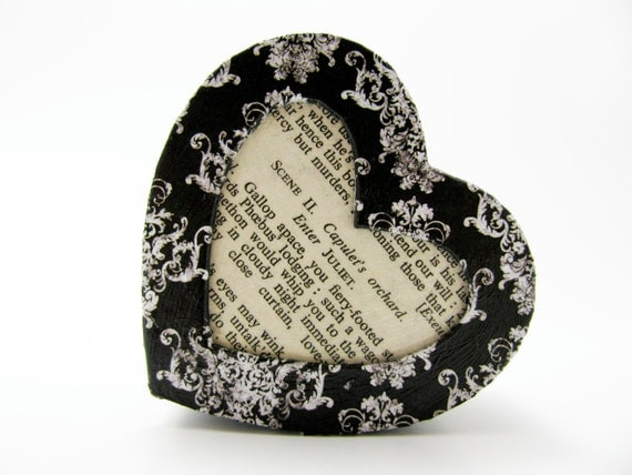 """Shakespeare """"Romeo and Juliet"""" Heart-shaped Box - Black and White Damask - Decorative Box - Trinket Box - Size Small - Unique Literary Gift"""