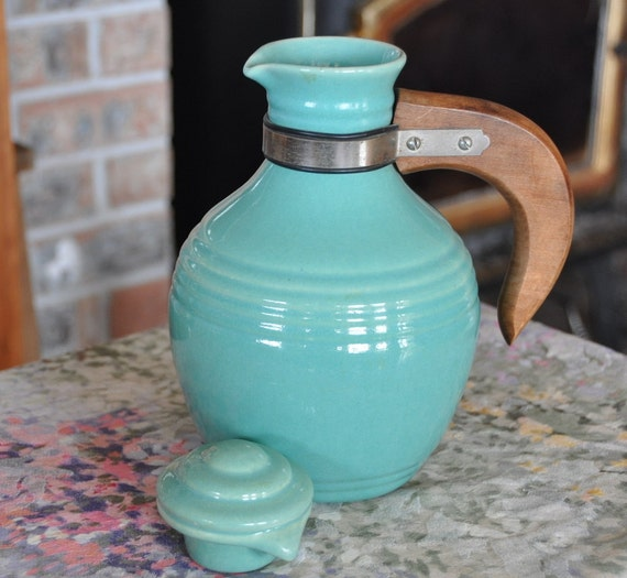 PACIFIC POTTERY CARAFE with Lid & Wooden Handle - Vintage Green