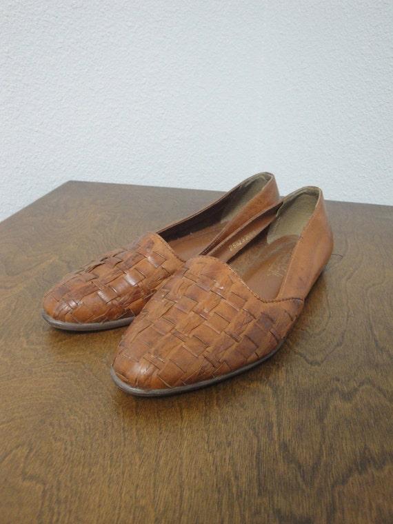 Vintage Women's Size 5 1/2 Woven Leather Flats