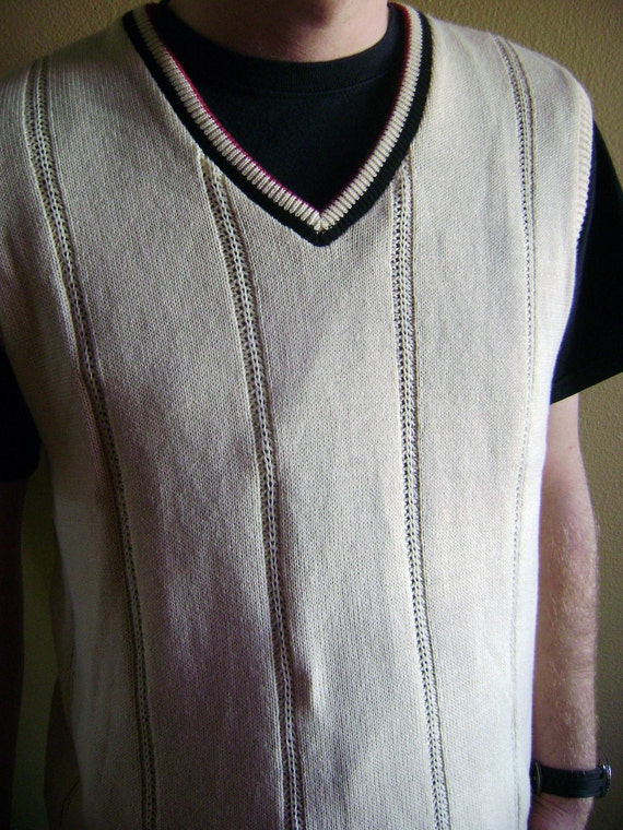 Unisex Sweater Vest Size Medium White/Eggshell