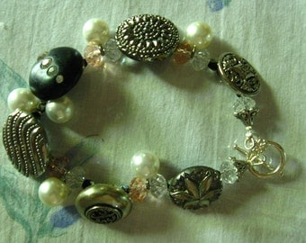 VINTAGE BUTTON BRACELET with pink and white crystals and pearls French Chic