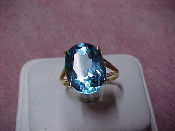 Vintage Swiss Blue SolitaireTopaz Ring 11 Carat, 15mmx12mm, 14K Y/G, 5.3 Gram, Size 10