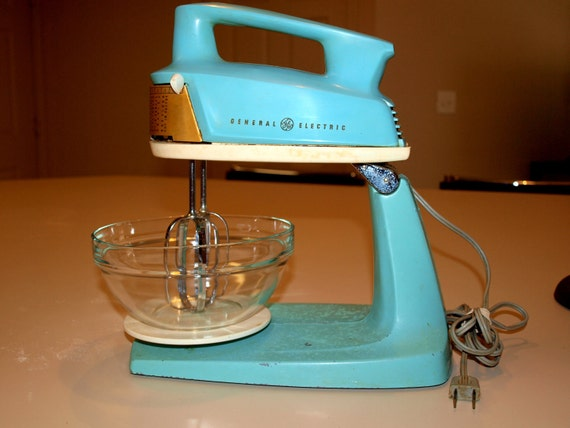 Vintage turquoise general electric 2 in one hand stand mixer for Antique general electric mixer