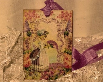 French Market Vintage Style Marie Antoinette Glittered Gift Tag Paris Apartment ECS