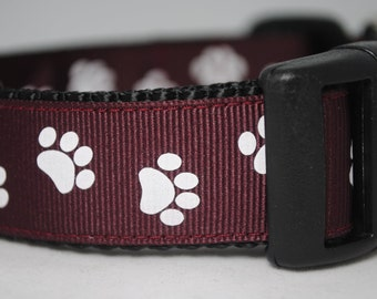 "Paw Prints - Maroon and White - 1"" Adjustable Dog Collar"