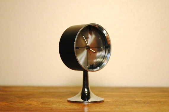 Mid Century Modern Chrome Pedestal Clock - Tulip Base Desk Clock