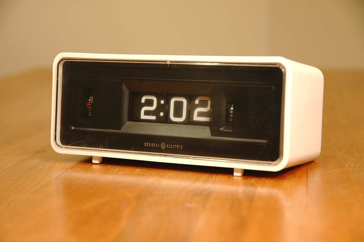 Mid Century Modern Flip Clock Space Age White General