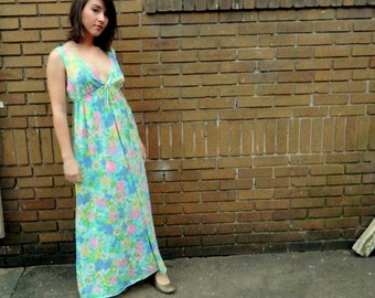 Gorgeous 60s Night Dress Night Gown Wild Floral Blue, Green, and Pink Pastels