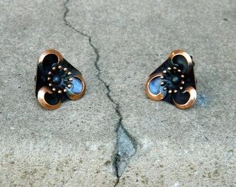 REDUCEDVintage 60s 50s RENOIR Copper Earrings Clip Ons Flower Midcentury, Excellent Condition