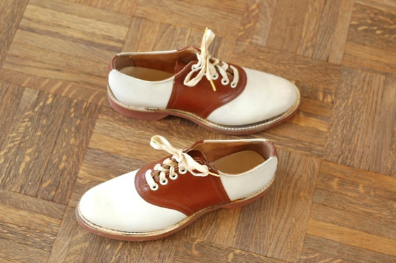 vintage NOS 1940s brown and white saddle shoes / size 7 / size 38