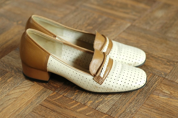 vintage 60s white loafers