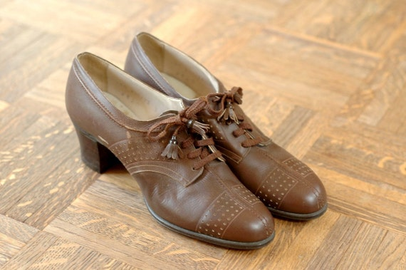 vintage NOS 1930s brown leather oxfords / NOS 40s shoes / size 6