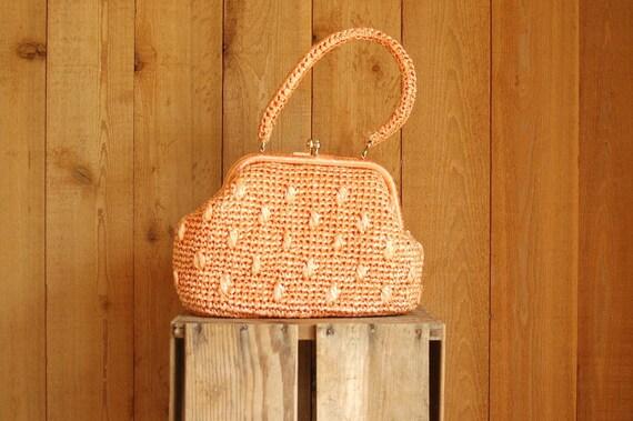 vintage 1960s handbag / peach raffia handbag