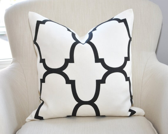 READY TO SHIP // Kravet Windsor Smith Riad Pillow Cover -- 18x18 -- Black/White -- Zipper Closure