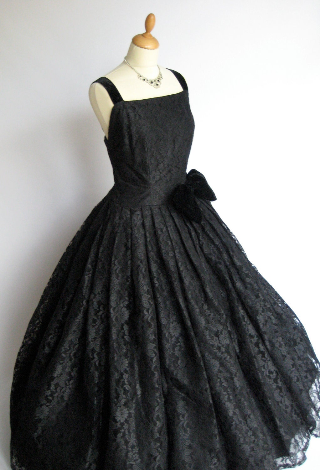 couture vintage dress black lace gown. Black Bedroom Furniture Sets. Home Design Ideas
