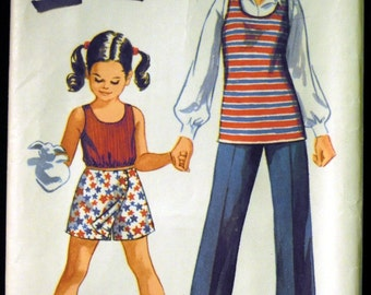 Vintage 1971 Simplicity Girl's Tunic or Top, Scooter Skirt and Pants Pattern 9294 Size 10