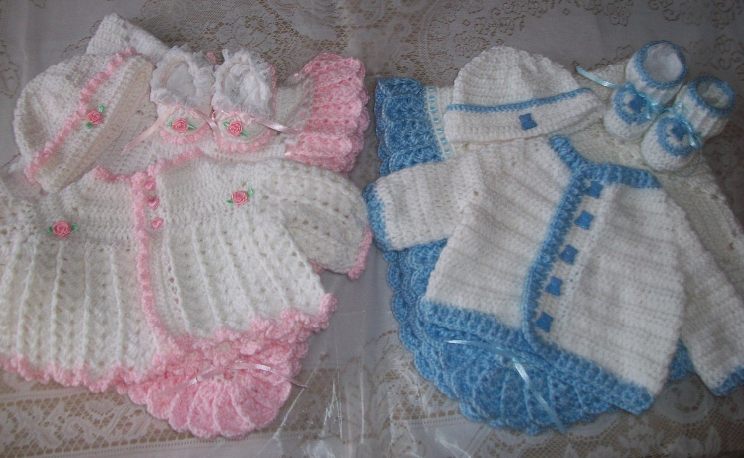 boy girl twins sweater set and blanket by madewithlovebysuzieq, Baby shower
