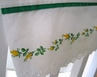 Vintage Pillow Case Yellow Rose and Eyelet edging with green piping