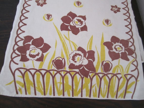 Vintage cotton dish towel brown daffodils gold color floral