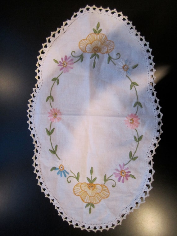 Floral design embroidered small white table linen dresser scarf vintage with crocheted edging
