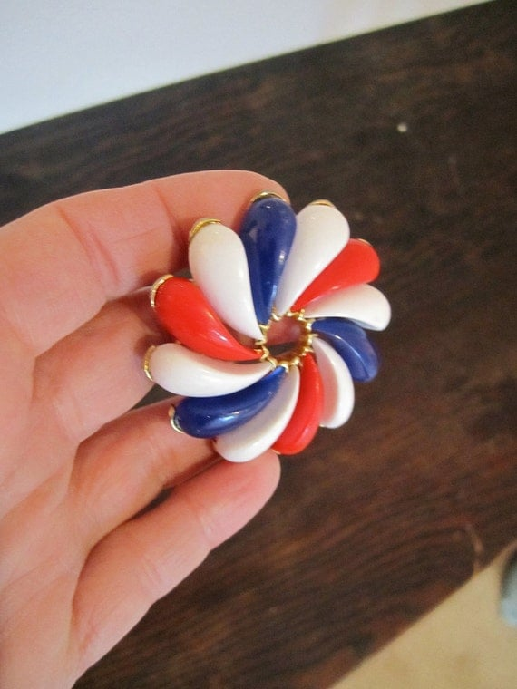 Swirl Design Brooch Patriotic Red White and Blue Goldtone backing