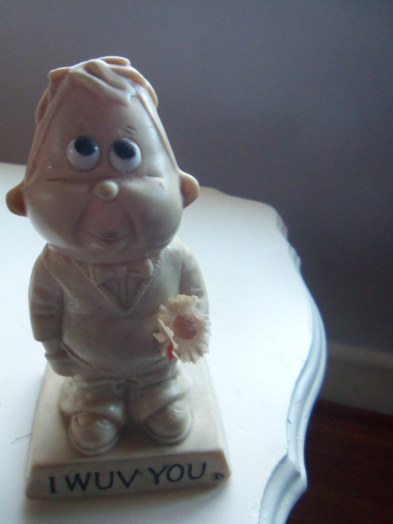 Vintage Russ Berrie 1970 I Wuv You Statue