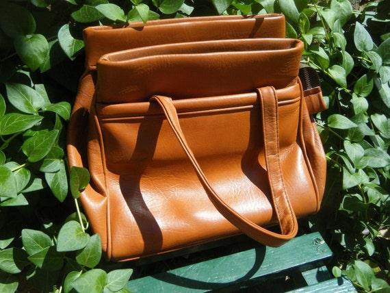 on holddd 30% OFF Vintage leather spacious 7 pocket purse / tan leather retro handbag