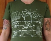 Womens T Shirt - SMALL -  Army Green  - Vegetable Garden With Garlic, Carrots, Radishes