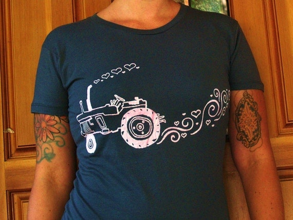 Tractor Love - Womens T Shirt - EXTRA LARGE - Hand Screen Printed