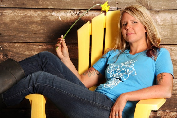 Farmhouse Bouquet - Womens T- Shirt - LARGE - Turquoise Blue - Hand Screen Printed
