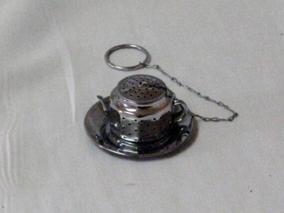Vintage Tea Diffuser Steeper or Bob IOB - Occupied Japan