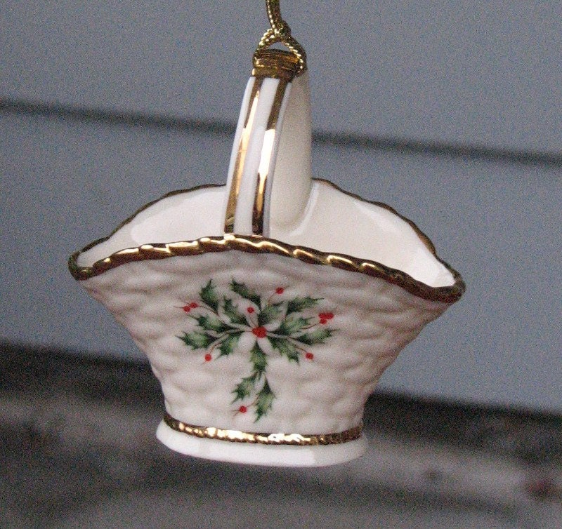 Vintage 1982 Lenox China Christmas Ornament First Annual w ... |Lenox Solid Vintage Christmas
