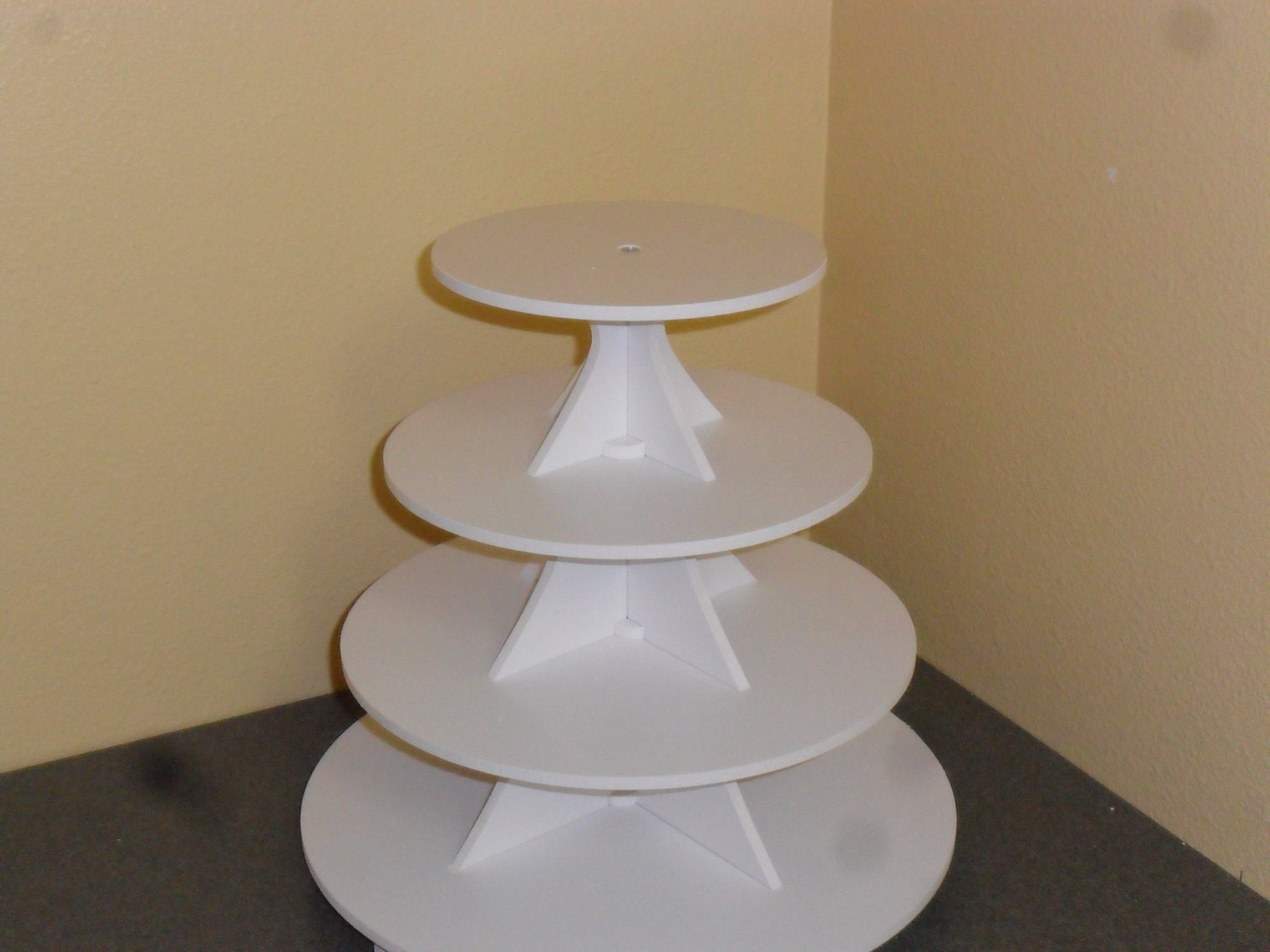 4 tier round or scallop cake cupcake stand 3 5 white pvc. Black Bedroom Furniture Sets. Home Design Ideas
