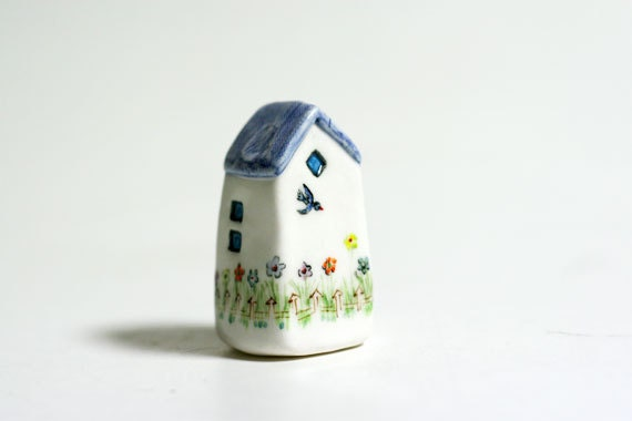 Handmade & painted miniature house No.108