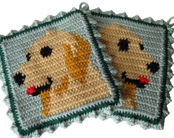 Golden Retriever Pot Holders.  Thick animal crochet hot pad or potholder set.