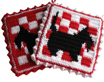 Scottish Terrier Pot Holders. Red and white checker potholders with black scotty dogs.