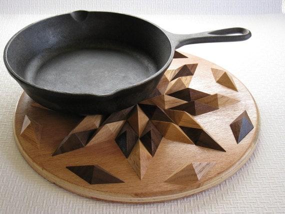 Round Hardwood Hotpad.  3-D hotpad.  Diamondcut pattern disperses heat.