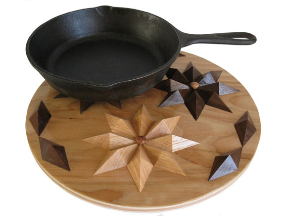 Round Hardwood Hot Pad. Wood decor kitchen trivet. Woodwork hot plate