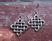 1017Silver-Lucky Knot-Earrings