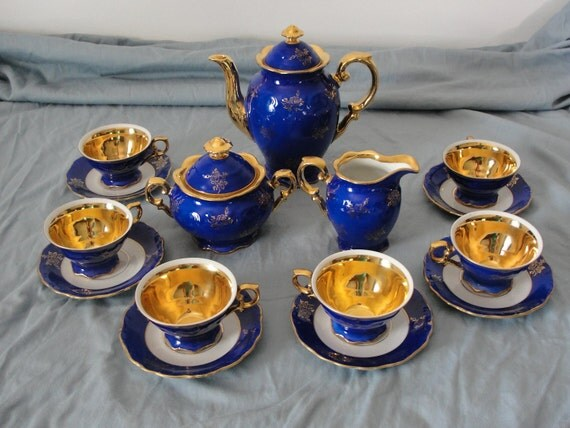 15 piece german porcelain blue gold tea set by by marketaquareus. Black Bedroom Furniture Sets. Home Design Ideas