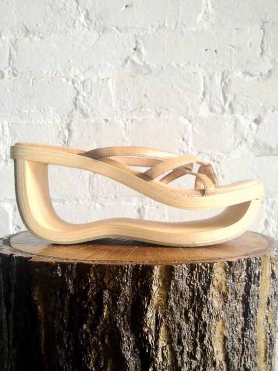 Vtg 90s Avant Garde Hollow Wooden Cutout Platform Sandals / Women's Size 8/8.5 US / 39 Eur / 6 UK / 7 Aus