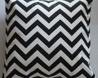 Black Pillows, Chevron Pillow Cover in Black and White Chevron Zig Zag 18 inch Removeable Contemporary