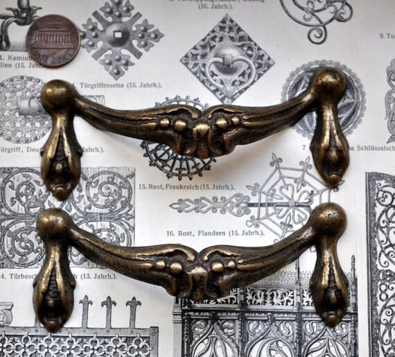 Set of 2 Vintage brass pull handles,decors.