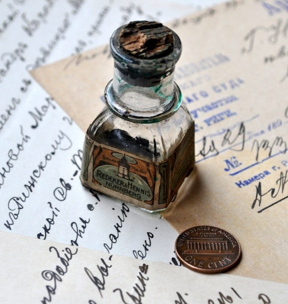 Antique small ink bottle.