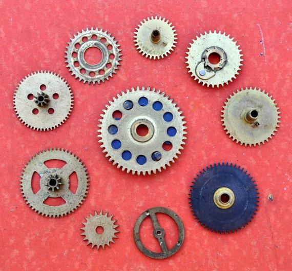 Lot of 10 Vintage brass alarm clock gears,wheels,cogs.(116)