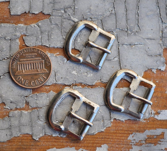 Lot of 3 Vintage small metal belt buckles.