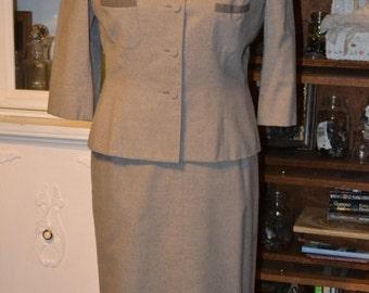 Oscar de la Renta Grey Wool 2pc Suit c1960